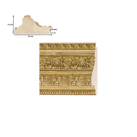 Cadre sculpté orné doré